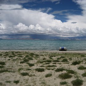 Sampling at the Nam Co (4.722 ma.s.l.), also called Heavenly Lake