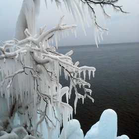 Ice structure of Lake Baikal