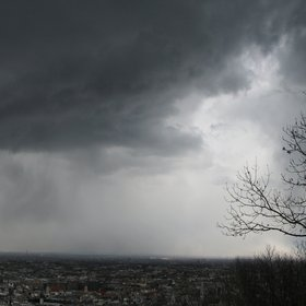 Heavy snow showers over Budapest