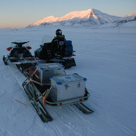 Winter field work in Svalbard