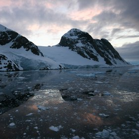 Antarctica, beautiful and still