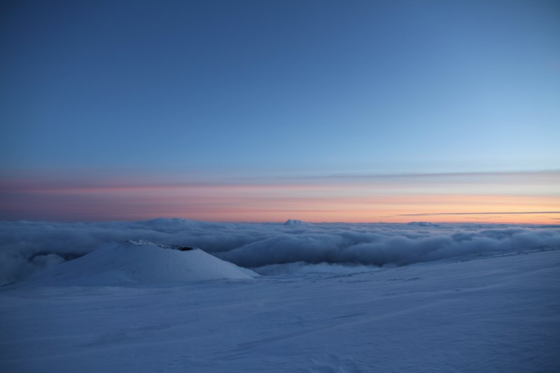 When the sea of clouds meets the sea ice at sunset