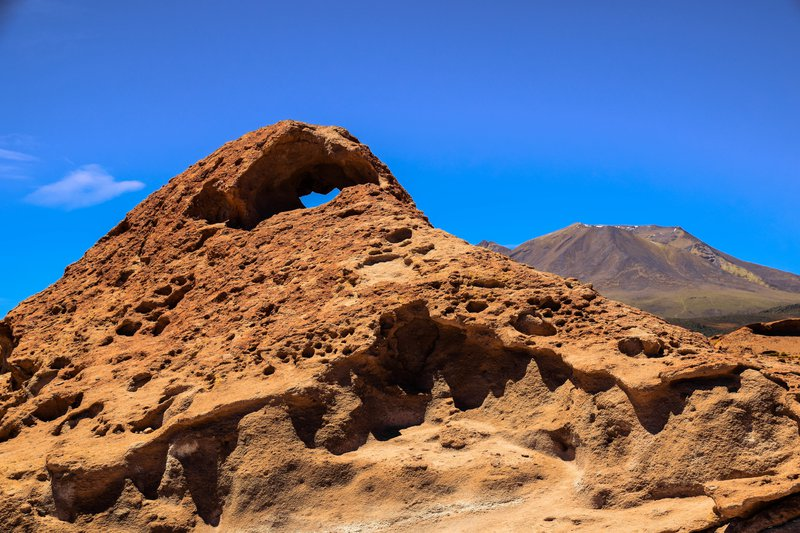 Natural arch / erosional form