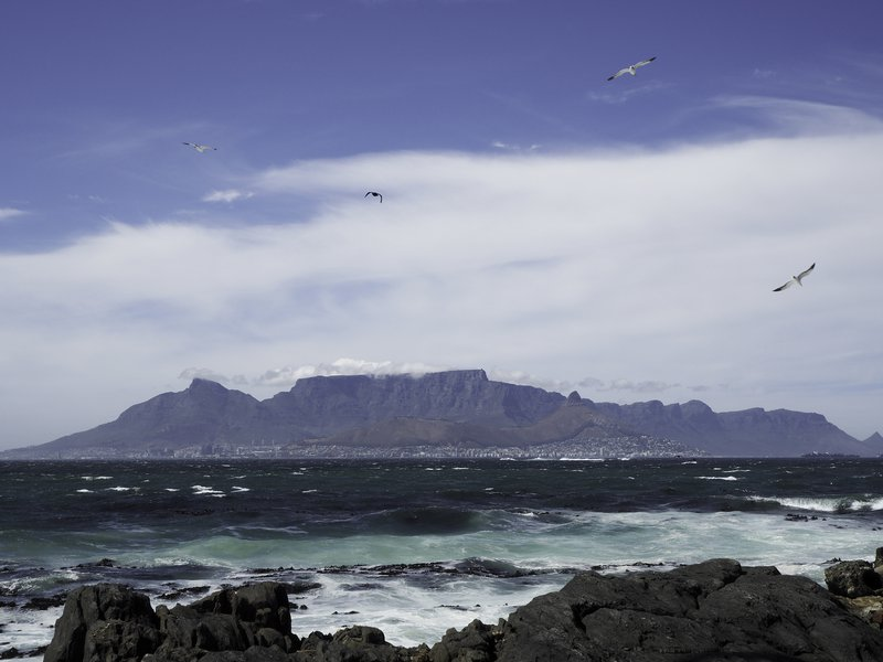 Table Mountain covered with the table cloth