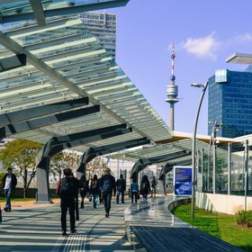 EGU17 - Walkway to Entrance