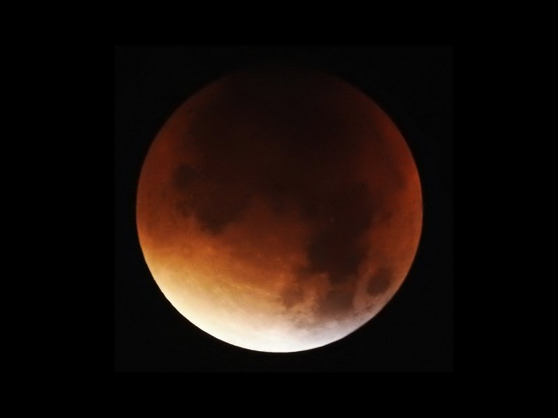 Total Lunar Eclipse - seen from Hamburg