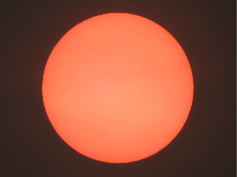"""Blood sun"" over northern Germany"
