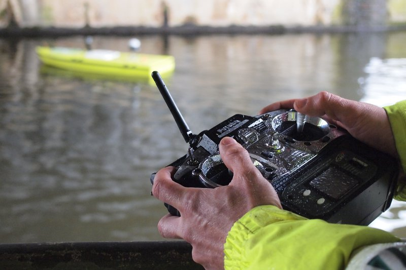 Measuring river discharge with unmanned boat and ADCP