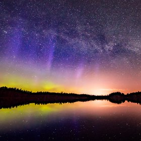 Milky way meets Aurora Borealis