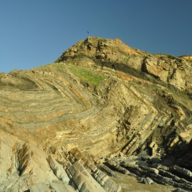 Zig-zag toward the unconformity