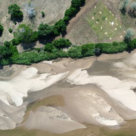 50 shades of grey: moving waters and moving sands in the Limpopo River, Mozambique