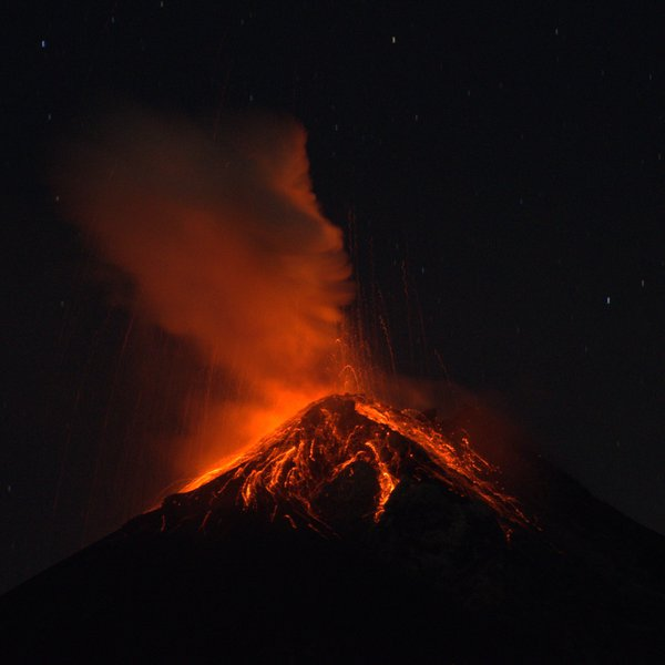 Fire on Volcán de Fuego