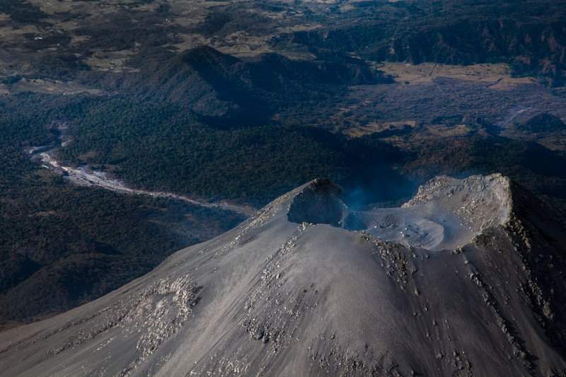 From crater to channel, Volcán de Colima