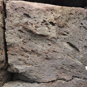 Imbrication of pumices in an ignimbrite