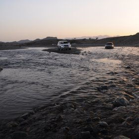 flash flood and car crossing, Oman