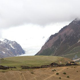 Yak dung combustion and glacier retreat of the Third Pole