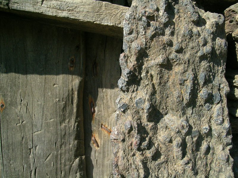 Andalusite nails in wooden slates