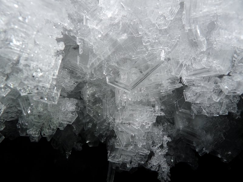 Ice crystals in the dark