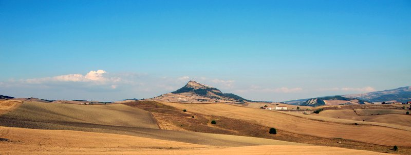 CAIRANO: clouds and wheat