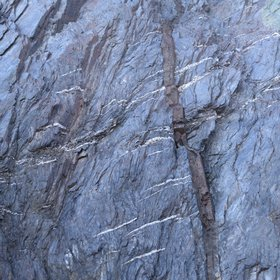 Tithonian aged lamprophyres & pyroxenites cross-cutting Ordovician aged sediments