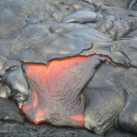 Active lava flow at Kīlauea east rift zone, Hawai'i