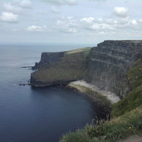 A stratigraphy lesson at the cliffs of Mohair