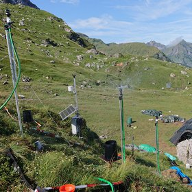 Artifical rainfall experiment on a glacial moraine