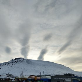 Arctic Gravity waves onset